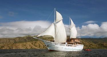 """Warane und Meer – Komodo erkunden mit dem Segelschiff """"MV Pindito"""""""