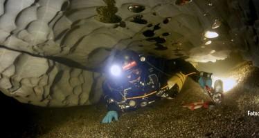 Bjurälven – Taucher erkunden Schwedens größte Unterwasserhöhle